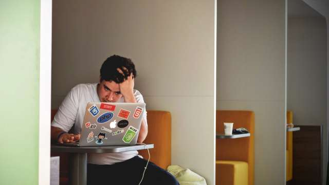 Πώς να ξεπεράσεις το άγχος σου για τις εξετάσεις